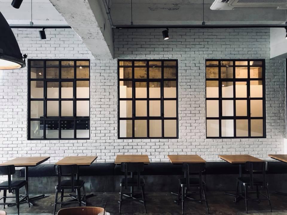 LIFT COFFEE 佐賀 カフェ インスタ映え ご当地 ピザ コーヒー インダストリアル アンティーク 雑貨