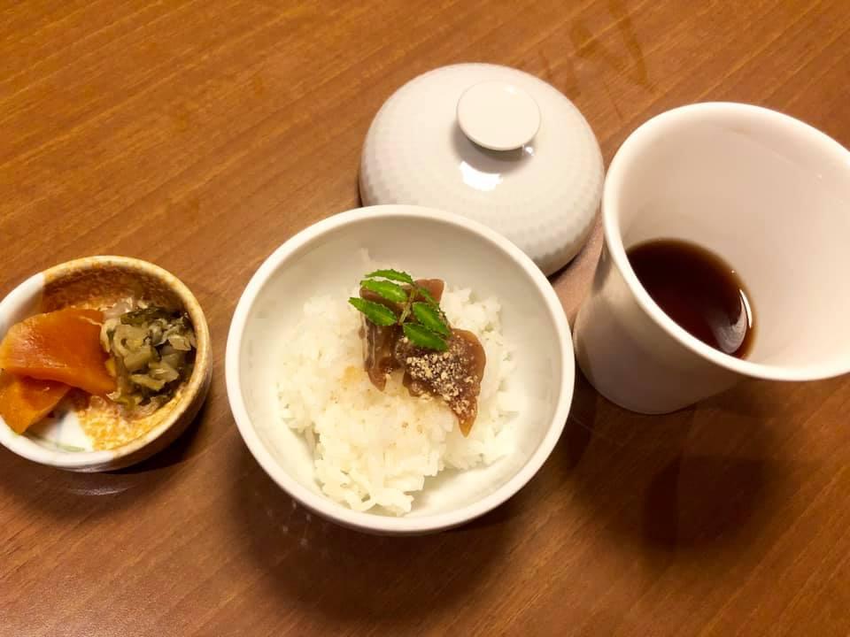 和多屋別荘 漬けマグロ 茶漬け ほうじ茶