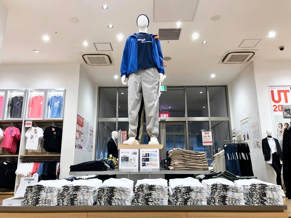 NOW UNIQLO 今 ユニクロ 2020 ゆめタウン佐賀店  UT Design 靴 シューズ 展示